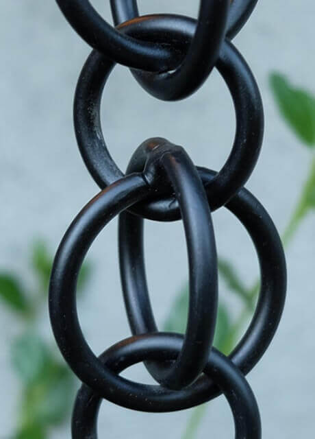 Double Loops™ aluminum link chain with black powder coating