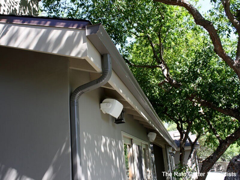 Semless aluminum rain gutters in West Hollywood image 22