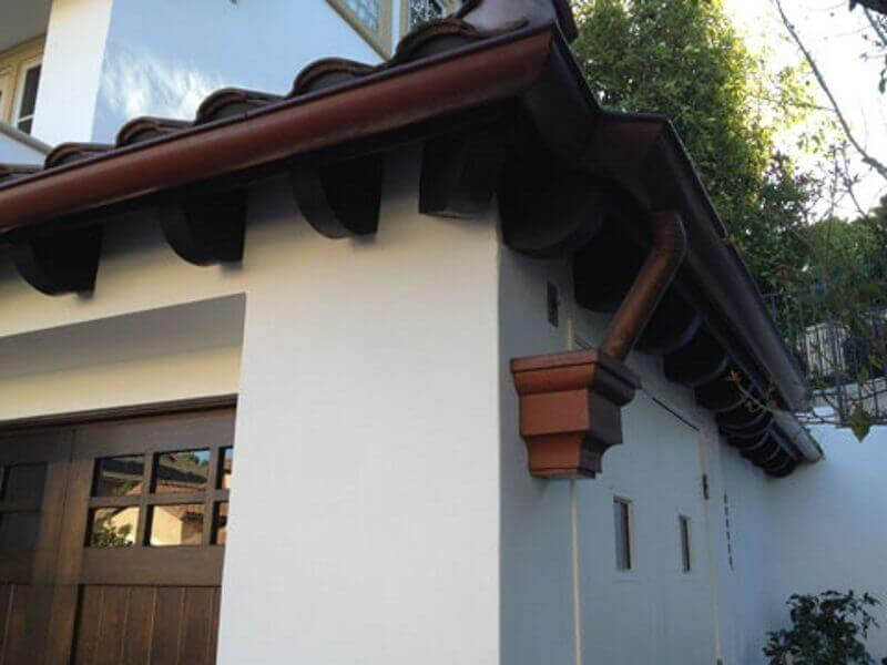 Rain Gutter Sales and Service in Thousand Oaks, Thousand Oaks Gutter Installation and Replacement Company, Aluminum, Copper, and Seamless Gutters in Thousand Oaks, Leaders, Rain Chains, Barrels, Headers, and Accessories